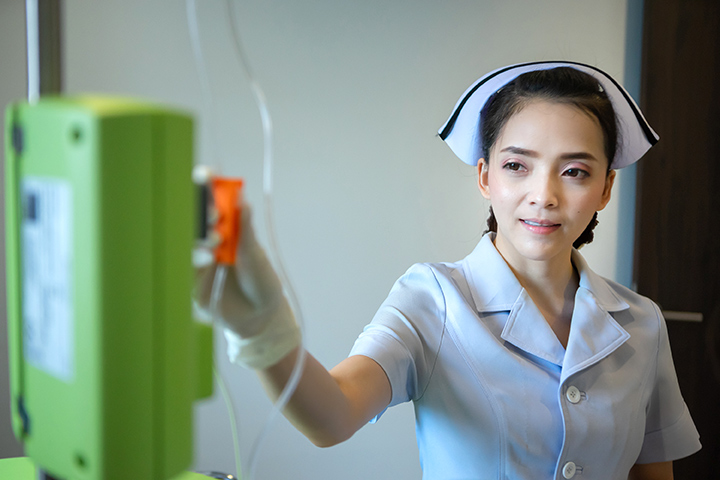 nurse adjusting ozone level